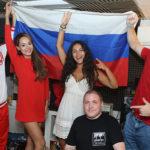 Анна Калашникова записала жаркое видео в поддержку сборной России