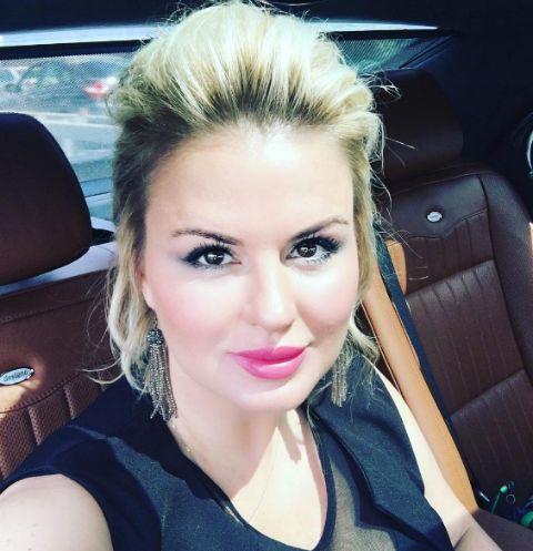 327 Анна Семенович шокировала худобой