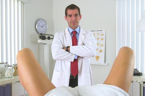 А твоему гинекологу усы не мешают?