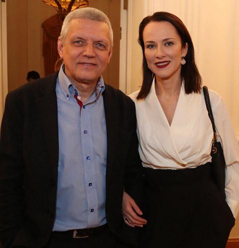 Александр Галибин сделал ремонт для молодой жены в спальне