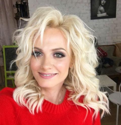 Полина Максимова удивила пикантным снимком мамы