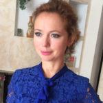 14265 Елена Захарова сразила публику откровенным платьем