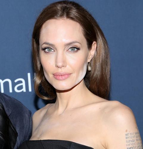14964 Разведенная Анджелина Джоли беседует с умершей матерью