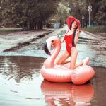 Жительница Саратова прославилась на всю страну, сделав фото в луже