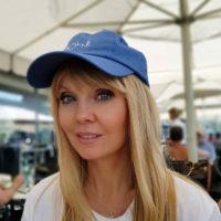 49-летняя Валерия показала идеальное тело на пляже