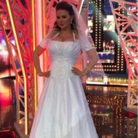 Анна Семенович поделилась первыми кадрами со свадьбы