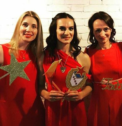 15346 Елена Исинбаева закатила красную вечеринку с «допингом»