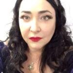 Лолита Милявская сверкнула грудью