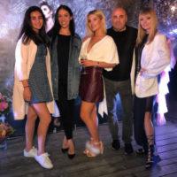 Сменившая имидж Анна Шульгина развлекла гостей ночного клуба