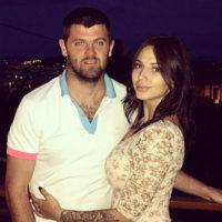 В Сети обсуждают миллионные отступные Радулова для Дмитриевой