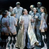 Юрий Грымов представил публике спектакль «О дивный новый мир»