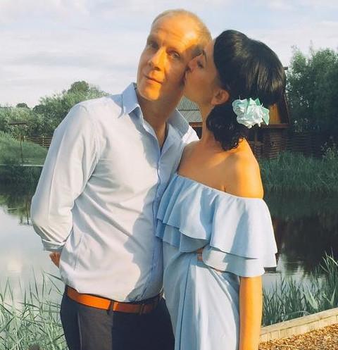 15533 Звезда КВН Максим Киселев узаконил отношения с любимой
