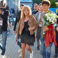 Алла Пугачева в дерзком мини покорила зрителей Юрмалы