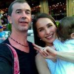 Эффектная ассистентка из «Поля чудес» стала мамой