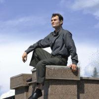 Игры со смертью: история мужчины, который выжил после трех падений с огромной высоты