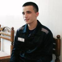 Осужденный за изнасилование Шурыгиной Семенов ищет утешение в молитвах