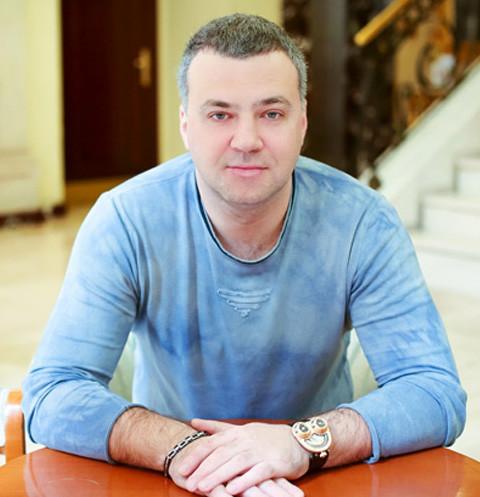 17944 Сын Бориса Смолкина ответил на обвинения в мошенничестве