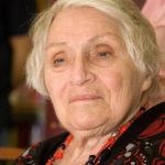 18058 Умерла автор серии романов об Анжелике Анн Голон