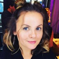 Юлия Проскурякова показала роскошную грудь на пляже