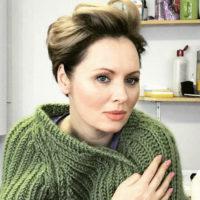 Елена Ксенофонтова сбежала с детьми за границу