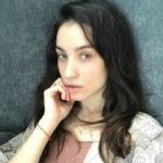 Викторию Дайнеко привели в чувство медики аэропорта