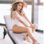 22417 Анна Калашникова оправдалась за «голые» фото на пляже