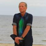 22956 Больной раком Михаил Задорнов обратился за помощью к целителю