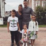 22048 Муж Ксении Бородиной сводил дочь в салон красоты