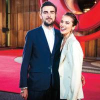 Сати Казанова сменит четыре свадебных платья