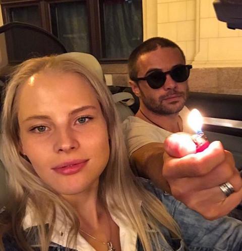 В Сети обсуждают жестокое нападение невесты на Илью Глинникова