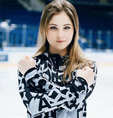 21561 Юлия Липницкая официально подтвердила решение уйти из спорта