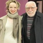 Армен Джигарханян намерен добиться увольнения жены