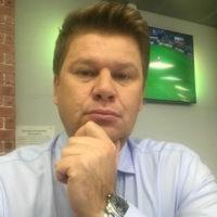 Дмитрий Губерниев пытается объяснить сыну причины развода