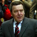 Экс-канцлер Шредер бросил жену с приемными детьми из России ради любовницы