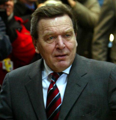 23339 Экс-канцлер Шредер бросил жену с приемными детьми из России ради любовницы