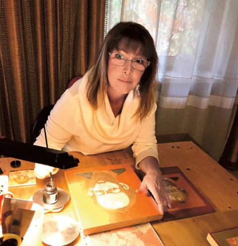 25212 Елена Проклова собирается организовать выставку собственных икон