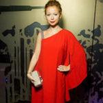 Елена Захарова вышла в свет с заметно округлившимся животом