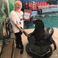 Морского котика наградили за помощь полиции