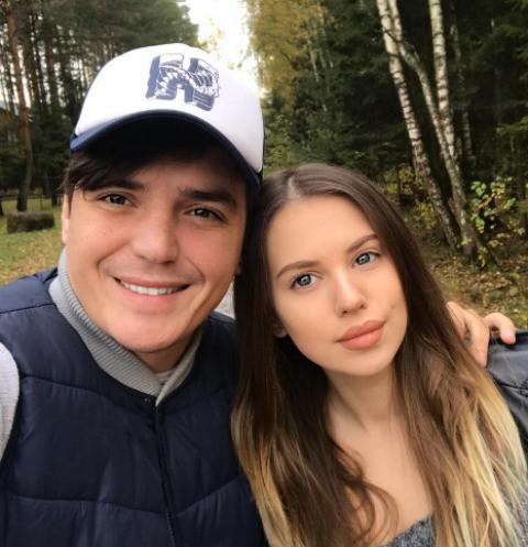 Саша Артемова и Евгений Кузин обустраиваются в новом доме