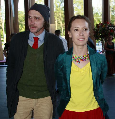 24821 СМИ обсуждают развод Чулпан Хаматовой и Александра Шейна