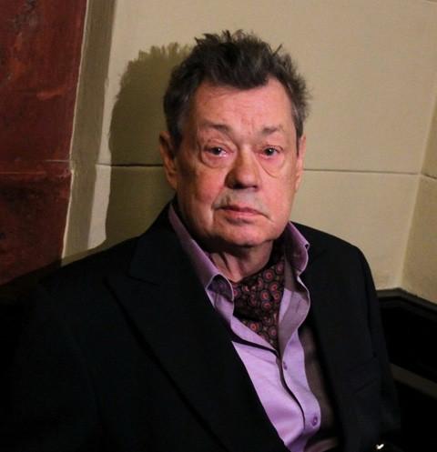 25112 Тяжелый путь Караченцова: ДТП, уход со сцены и борьба с раком
