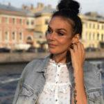 Алена Водонаева публично обругала семью Аршавиных