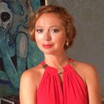 Беременная Елена Захарова появилась на светском рауте