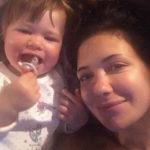26867 Екатерина Климова поделилась домашним снимком с младшей дочерью