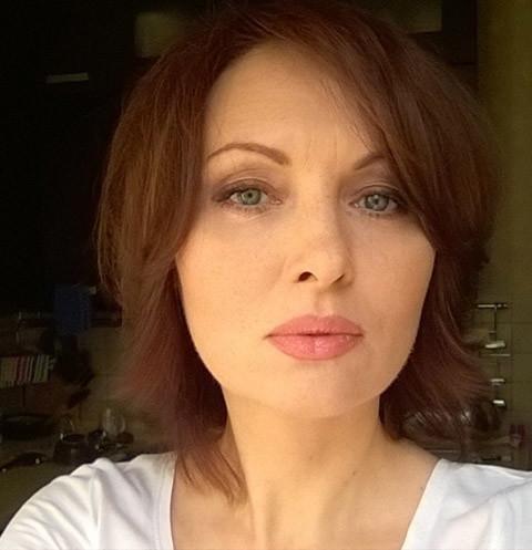 Елена Ксенофонтова продолжает воевать с бывшим мужем за дочь