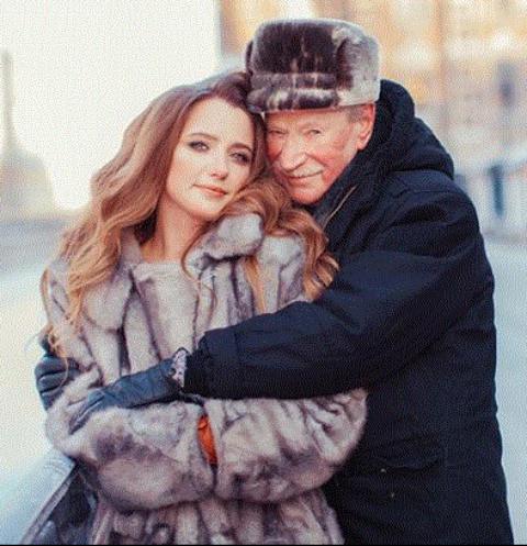 Иван Краско высказался о беременности жены
