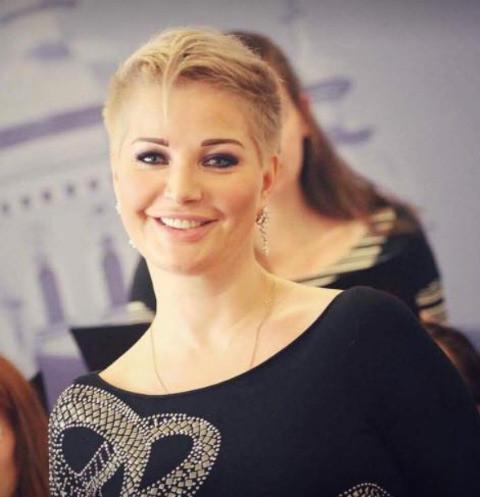 Мария Максакова обвиняет бывшего мужа в том, что он разрушил судьбу их сына