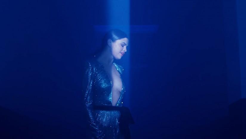 Selena Gomez, Marshmello — Wolves, новый клип