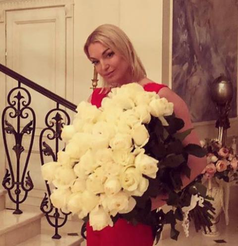 Волочкова призывает молиться за Керимова