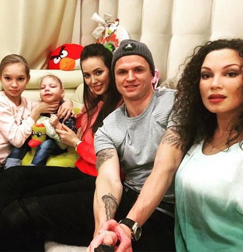 Дмитрий Тарасов оплатил лечение больной дочери Данко